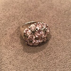 Jewelry - Sparkly Costume Ring